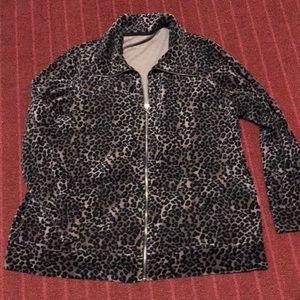 Light weight jacket 🎈. Size 2X